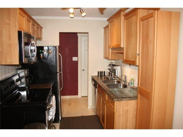 # 110 225 W 3RD ST - Lower Lonsdale Apartment/Condo for sale, 2 Bedrooms (V1026368) #1