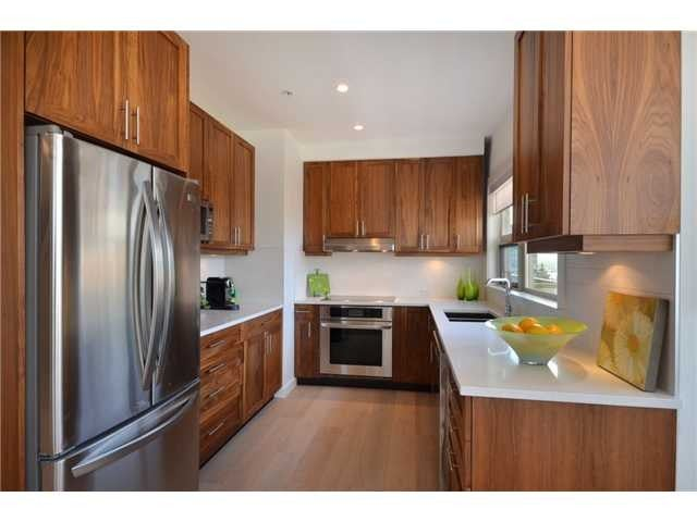 # PH2 1033 ST GEORGES AV - Central Lonsdale Apartment/Condo for sale, 2 Bedrooms (V1048015) #2