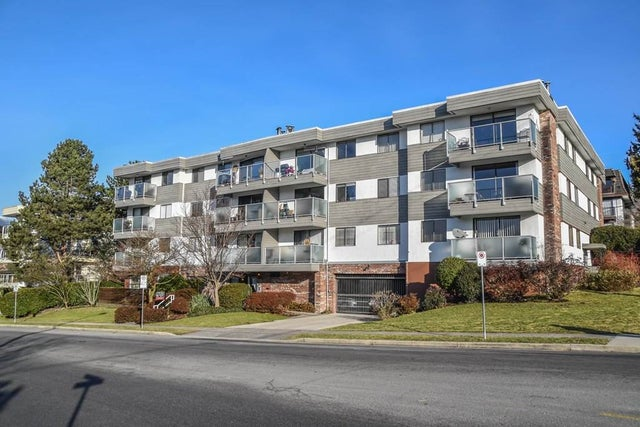 302 308 W 2ND STREET - Lower Lonsdale Apartment/Condo for sale, 2 Bedrooms (R2131283) #1