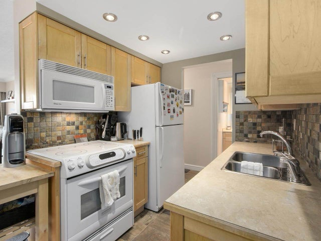 213 3080 LONSDALE AVENUE - Upper Lonsdale Apartment/Condo for sale, 1 Bedroom (R2136671) #1