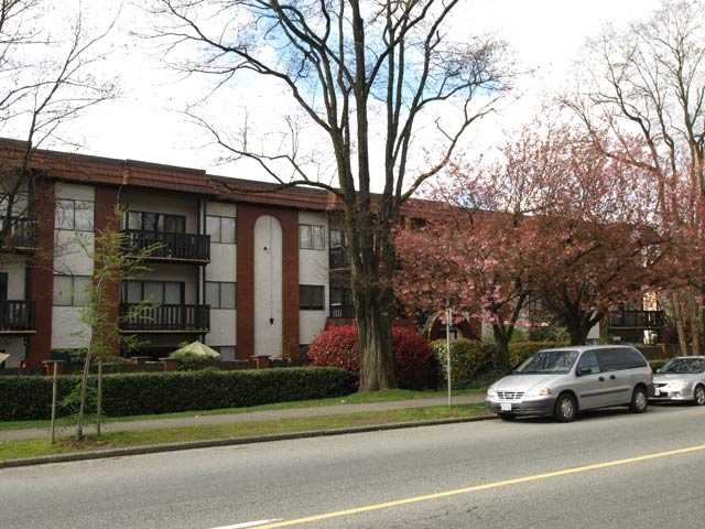 # 110 225 W 3RD ST - Lower Lonsdale Apartment/Condo for sale, 2 Bedrooms (V819371) #1