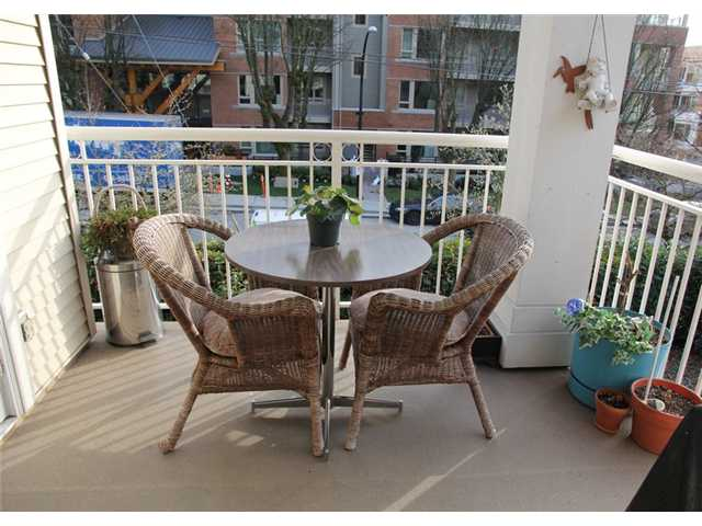 # 201 130 W 22ND ST - Central Lonsdale Apartment/Condo for sale, 2 Bedrooms (V932856) #4