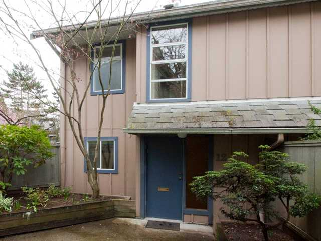 # 12 900 W 17TH ST - Hamilton Townhouse for sale, 2 Bedrooms (V965588) #1
