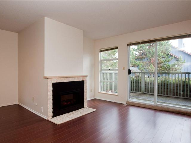 # 12 900 W 17TH ST - Hamilton Townhouse for sale, 2 Bedrooms (V965588) #2